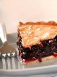 蓝色蓝莓叉子新鲜的饼牌照 免版税库存照片