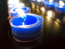 蓝色蜡烛 库存图片