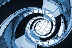 蓝色螺旋形楼梯 免版税库存照片