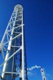 蓝色行业梯子管道天空 免版税库存图片