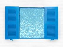 蓝色被打开的窗口 库存照片
