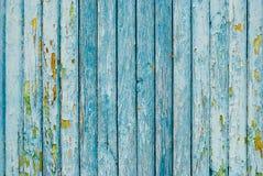蓝色被绘的老木篱芭 免版税库存图片