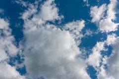 蓝色覆盖天空 免版税库存照片