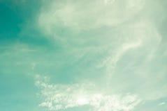 蓝色覆盖深天空 库存图片