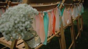 蓝色详细资料花袜带系带婚礼 美丽的花decration 开花构成 滑照相机 股票视频