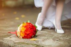 蓝色详细资料花袜带系带婚礼 图库摄影