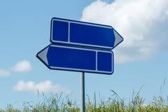 蓝色路标天空 库存图片