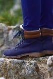 蓝色迁徙的鞋子 图库摄影
