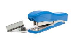 蓝色钉书针机器 库存图片