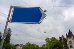 蓝色钢空白的路标 库存照片