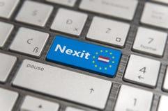 蓝色钥匙进入与欧盟键盘按钮的荷兰Nexit在现代委员会 库存照片
