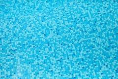 蓝色锦砖水 免版税库存图片