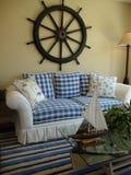 蓝色长沙发白色 库存图片