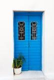 蓝色门希腊 免版税图库摄影