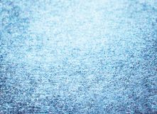 蓝色闪烁冬天圣诞节背景 免版税库存图片