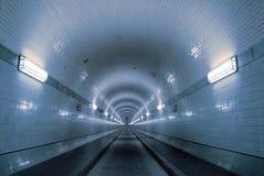 蓝色隧道 免版税库存图片