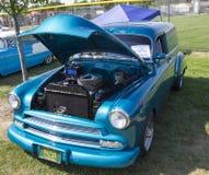 1952蓝色雪佛兰交付轿车正面图 免版税库存照片