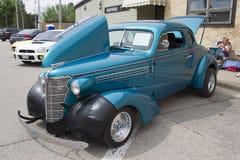 1938蓝色雪佛兰小轿车 库存照片