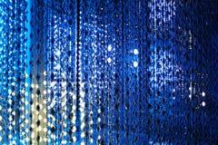 蓝色霓虹灯背景,摘要闪烁明亮的轻的特写镜头,俱乐部欢乐党海报设计,假日眨眼睛背景 向量例证