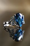 蓝色青玉的反射 免版税库存照片