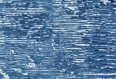蓝色颜色削皮油漆表面 库存照片