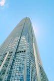 蓝色颜色的摩天大楼反对天空 库存照片