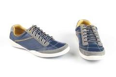 蓝色颜色鞋子 免版税库存照片