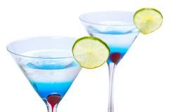 蓝色马蒂尼鸡尾酒库拉索岛喝 免版税库存图片