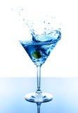 蓝色马蒂尼鸡尾酒 免版税库存照片