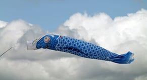 蓝色鱼风筝 库存照片