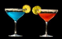 蓝色鸡尾酒喝红色 免版税库存图片
