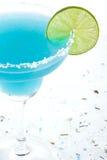 蓝色鸡尾酒玛格丽塔酒 免版税库存图片