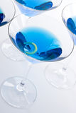 蓝色鸡尾酒马蒂尼鸡尾酒 免版税库存图片