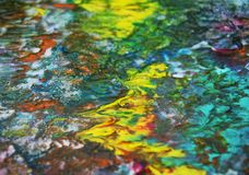 蓝色黄绿色紫罗兰色橙色桃红色混合颜色,绘察觉背景,水彩五颜六色的抽象背景 免版税库存图片