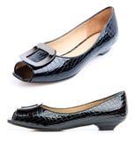 蓝色黑暗的女性鞋子 免版税库存图片