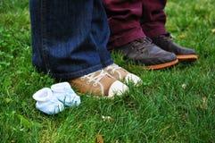 蓝色婴儿鞋子 库存图片