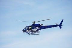 蓝色直升机天空 图库摄影