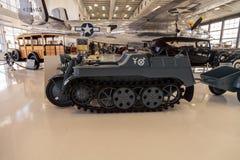 蓝色1943德国NSU Kettenkrad HK 101跟踪了摩托车 免版税库存图片