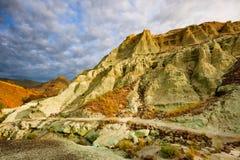 蓝色水池在约翰迪化石床 库存图片