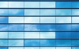 蓝色玻璃和钢制框架,背景纹理 免版税库存照片