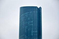 蓝色玻璃摩天大楼门面在多伦多 免版税图库摄影