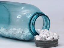 蓝色玻璃瓶子 免版税图库摄影