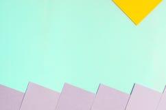 蓝色紫罗兰色和黄色纸背景 免版税库存照片
