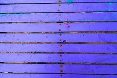 蓝色紫色木桌纹理 库存图片