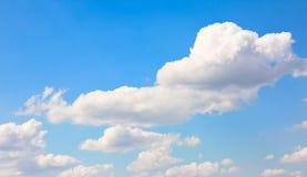 蓝色cloudscape天空 库存图片