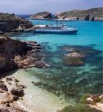 蓝色comino海岛盐水湖马耳他 库存图片