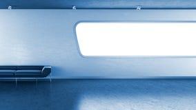 蓝色copyspace长沙发黑暗的interrior墙壁视窗 免版税库存照片