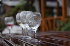 蓝色dof玻璃浅酒 免版税图库摄影