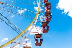 蓝色ferris天空轮子 免版税库存照片
