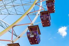蓝色ferris天空轮子 免版税图库摄影
